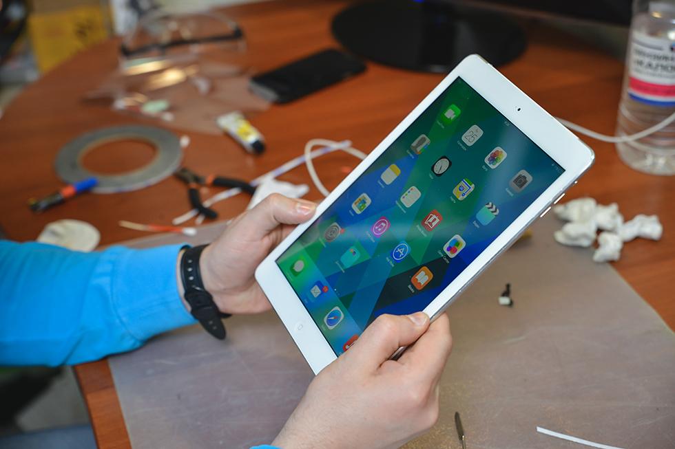 3fb4b6075f64b364f31b83f06913dc41 - Замена стекла (тачскрина) на Apple iPad