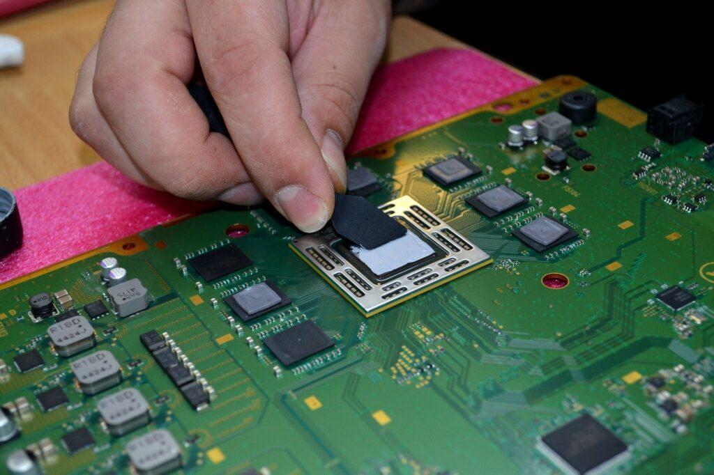 3fec0c13ded086ea25eb3993d72b7b07 1024x682 - Техническое обслуживание Sony PlayStation 4