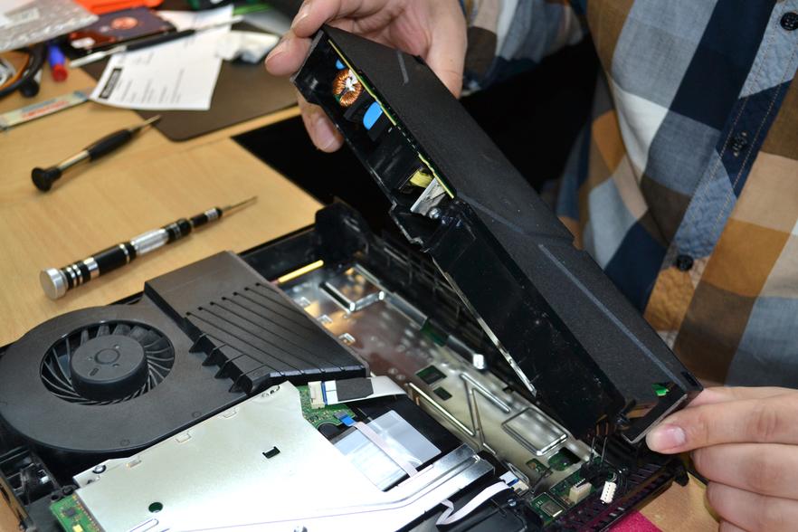 6483c4cf052e0f3932d6080ab45017be - Техническое обслуживание Sony PlayStation 4