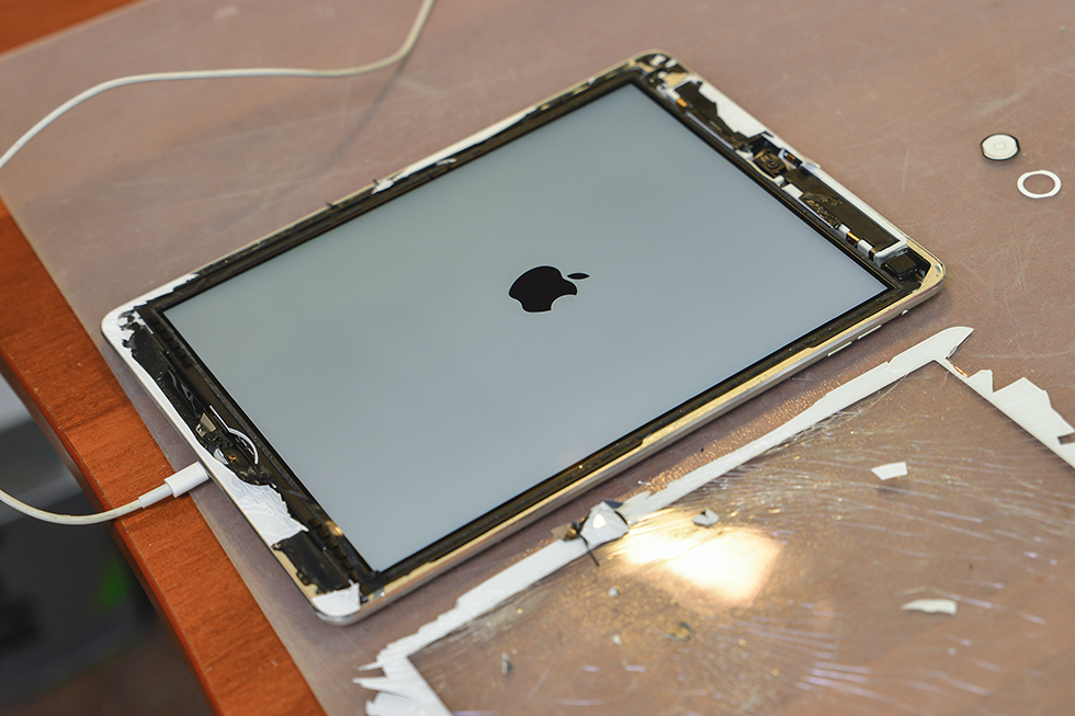8f0d067a26f0c73571f77168012169d1 - Замена стекла (тачскрина) на Apple iPad