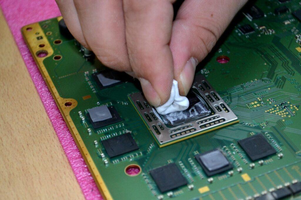 b29052c7ca5e7abec925a29d4c9f4440 1024x682 - Техническое обслуживание Sony PlayStation 4