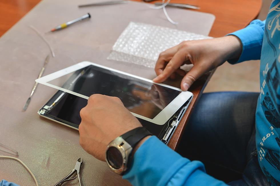 e8cfdfb44b79e082dd5981d343876159 - Замена стекла (тачскрина) на Apple iPad